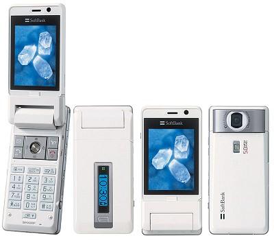「910SH」、500万画素カメラ、2.4型VGA液晶搭載。