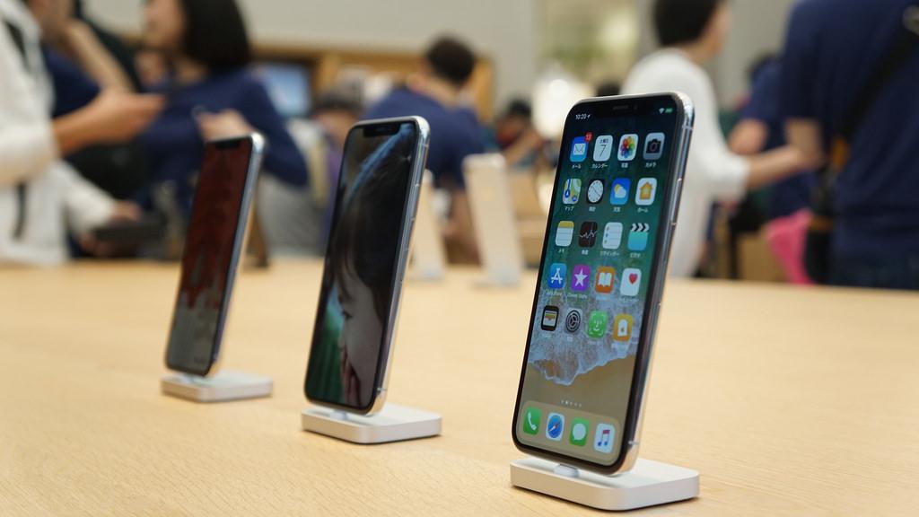 携帯料金、今秋から違約金1000円・端末値引きは2万円までに規制へ