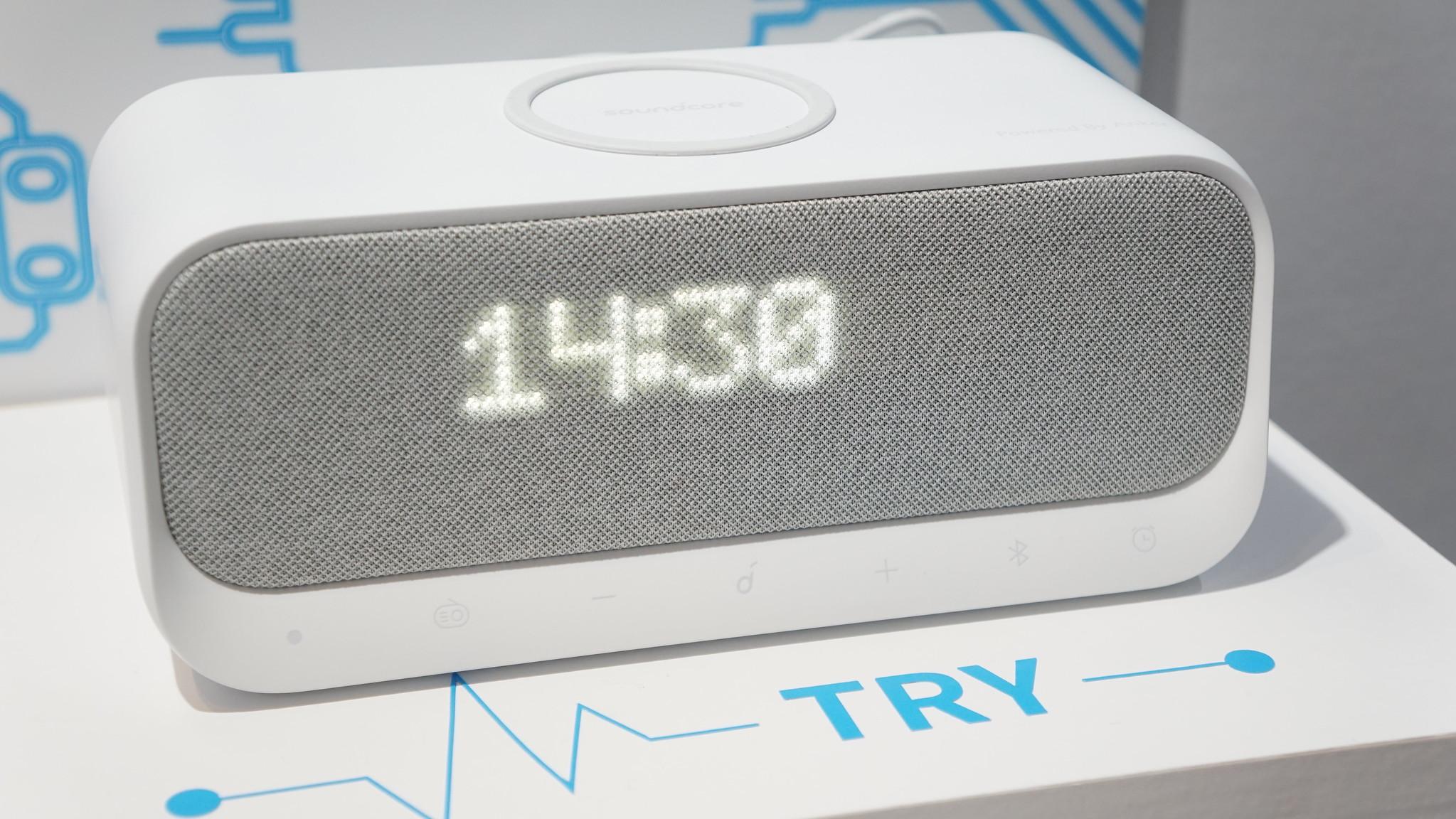 目覚まし・ワイヤレス充電・USBx2の全部入りスピーカー「Wakey」が今夏発売