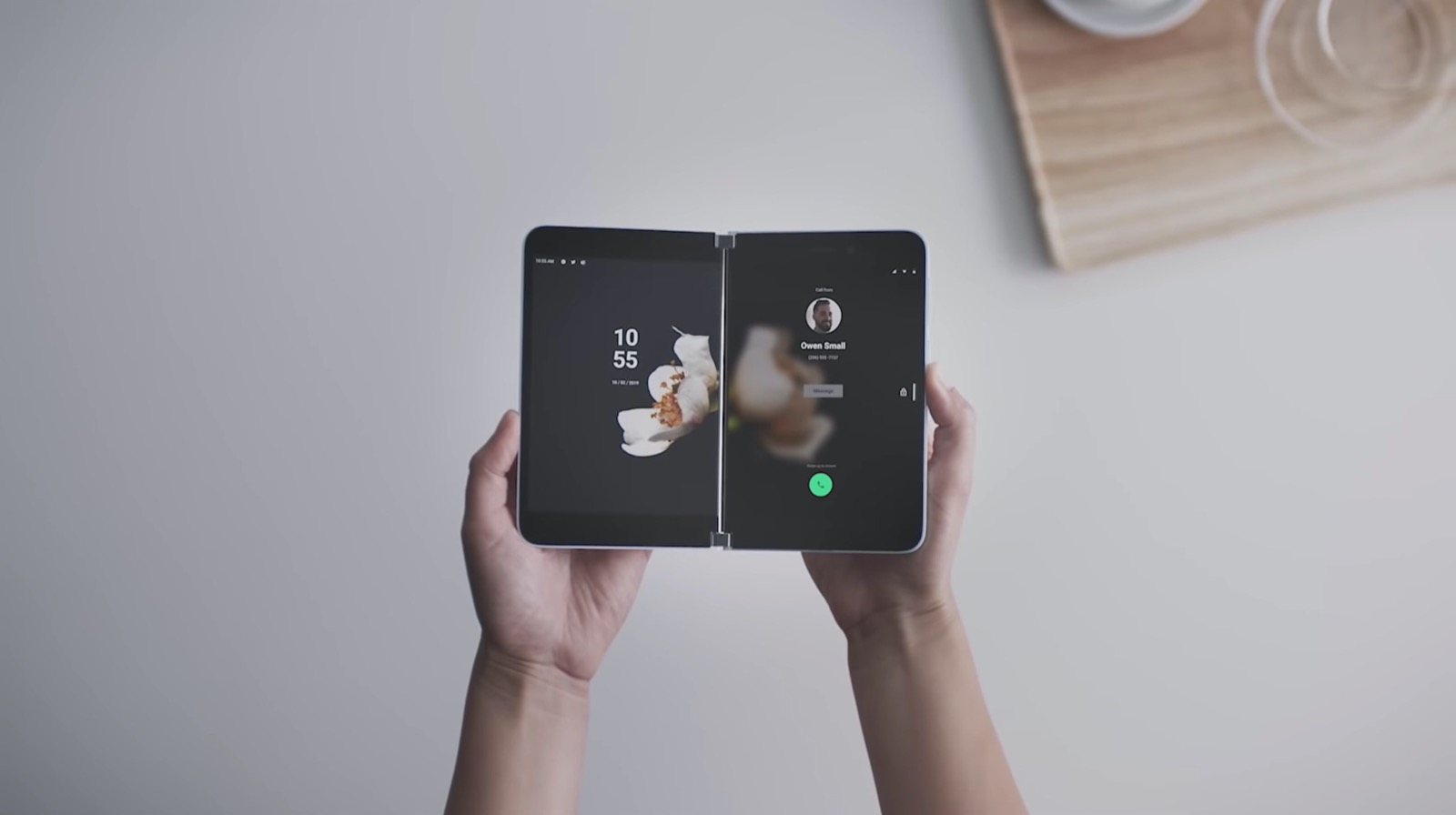 2画面スマホ「Surface Duo」の発売日が今年夏に変更か